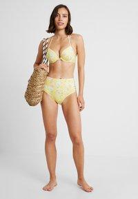 Sunseeker - Bikini top - yellow - 1