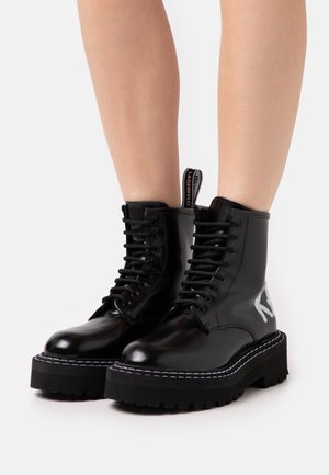 PATROL BRUSH LOGO LACE - Platform ankle boots - black