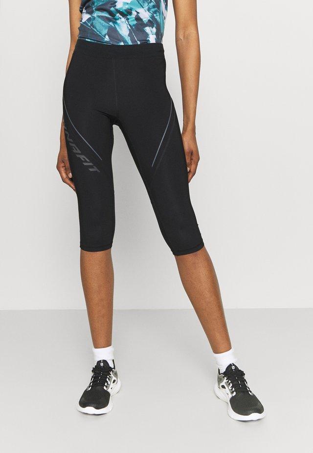 ALPINE - Pantalon 3/4 de sport - black out
