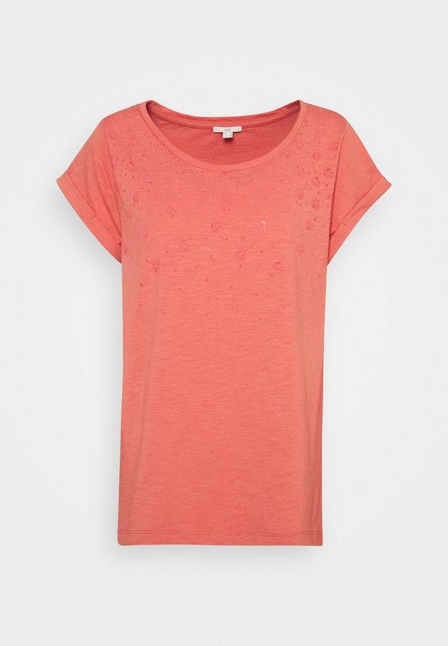SLUB - Print T-shirt - coral