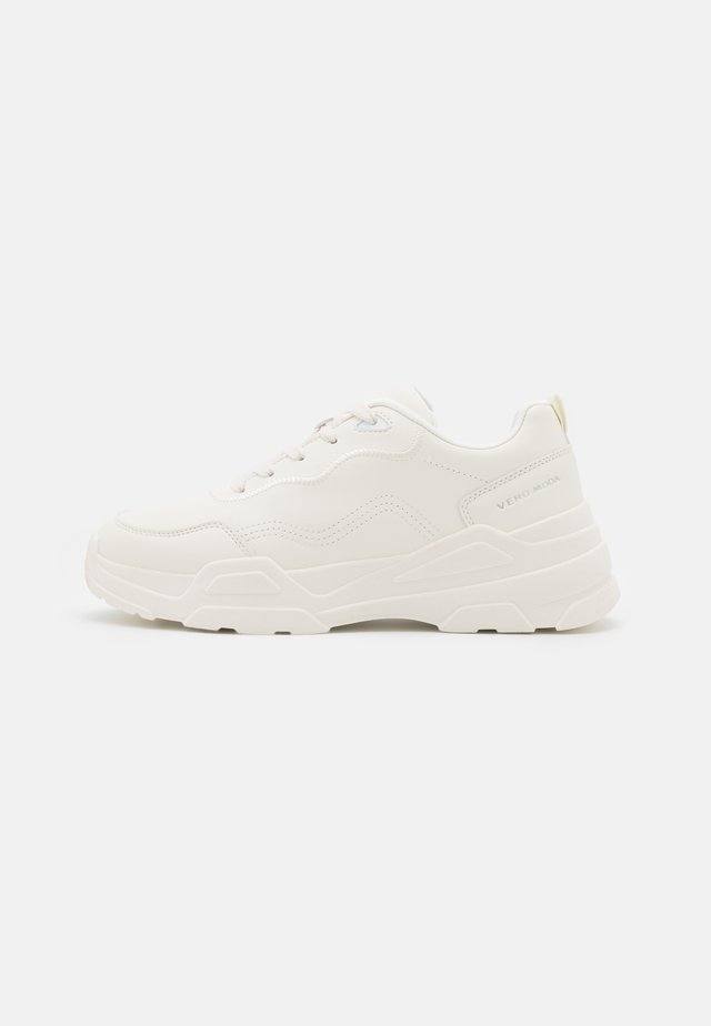 VMFELICIA WIDE FIT - Zapatillas - birch