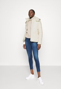 Calvin Klein Jeans - Zimní bunda - soft cream - 1