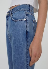 PULL&BEAR - MOM - Relaxed fit jeans - dark blue - 3