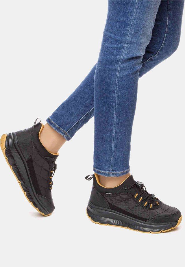 AW - Sneakers laag - black