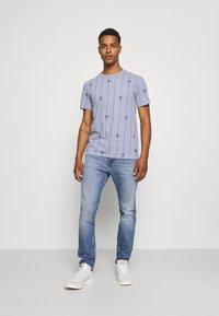 Blend - TEE - T-shirt med print - moonlight blue - 1