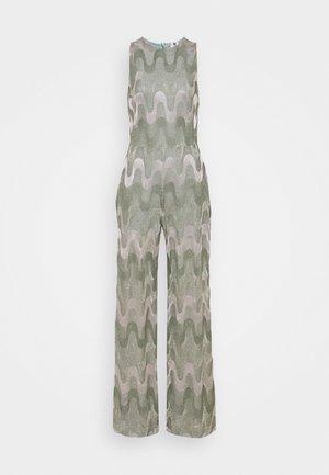 LONG OVERALLS - Jumpsuit - artichoke/pale pink