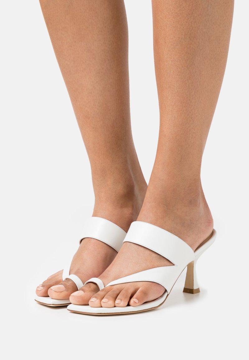 Stuart Weitzman - LYLA  - T-bar sandals - white