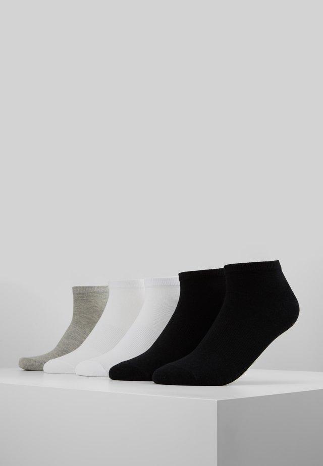 NO SHOW SOCKS 5 PACK - Trainer socks - black/white/grey