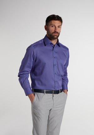 COMFORT FIT - Shirt - pink/blau