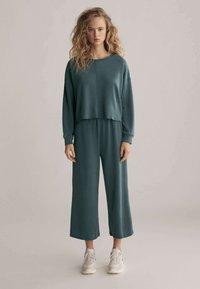 OYSHO - Trousers - green - 1