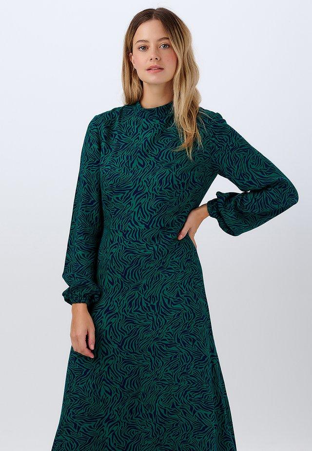 JUDITH WILD NIGHTS - Korte jurk - green