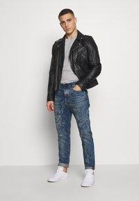 Diesel - VIDER SP4 - Jeans Tapered Fit - 0079d01 - 1