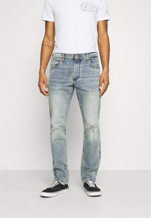 GREENSBORO - Straight leg jeans - dusty light
