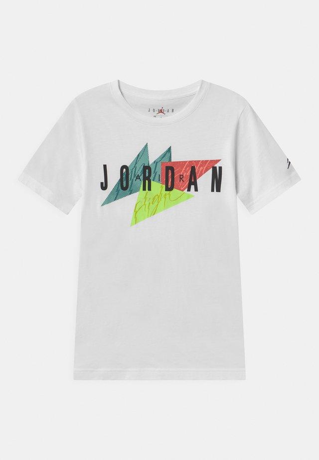 GEO FLIGHT - Print T-shirt - white