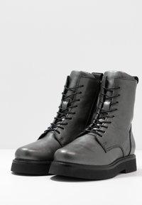MJUS - Zimní obuv - gunmetal - 4