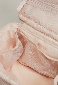 OYSHO - Kosmetická taška - rose - 4