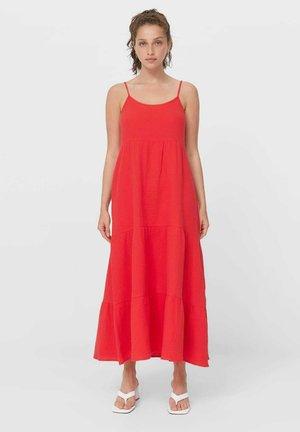 MIT RAFFUNGEN UND CUT-OUTS - Maxi dress - red