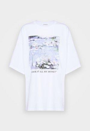 T-shirt con stampa - white