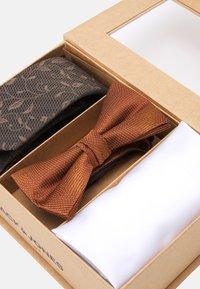 Jack & Jones - JACGOLDIE NECKTIE SET - Tie - black/bronze - 5