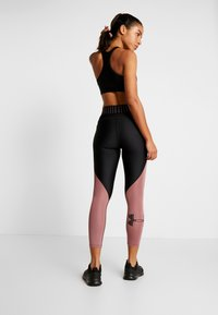 Under Armour - COLOR BLOCK GRAPHIC ANKLE CROP - Leggings - black /hushed pink - 2