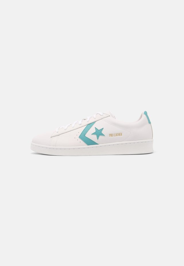 PRO LEATHER COLOR POP UNISEX - Sneakers basse - white/harbor teal