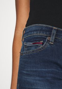 Tommy Jeans - MID RISE BERMUDA - Denim shorts - dark blue - 5