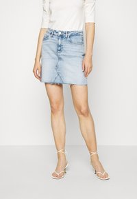 Tommy Jeans - SHORT SKIRT - Jupe en jean - cony light blue comfort - 0