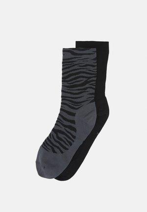 SHEER ANKLE NOVELTY 2 PACK - Sports socks - iron grey/black