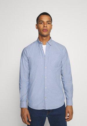 JJEOXFORD SHIRT  - Camisa - cashmere blue