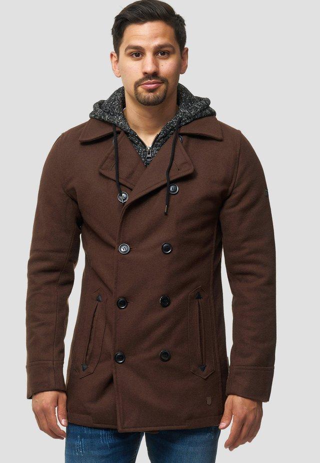Pitkä takki - brown