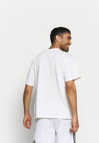 Nike Performance - WE VE ONLY GOT ONE SHOT TEE - Print T-shirt - pure - 2