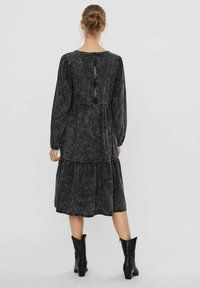 Vero Moda - Denim dress - black - 2
