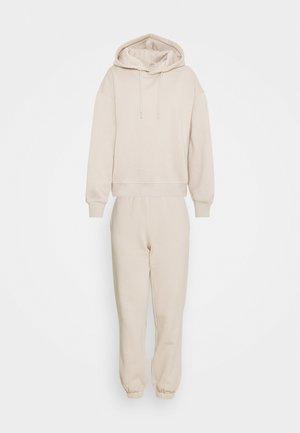 JDYCATIE LIFE SET - Sweatshirt - simply taupe