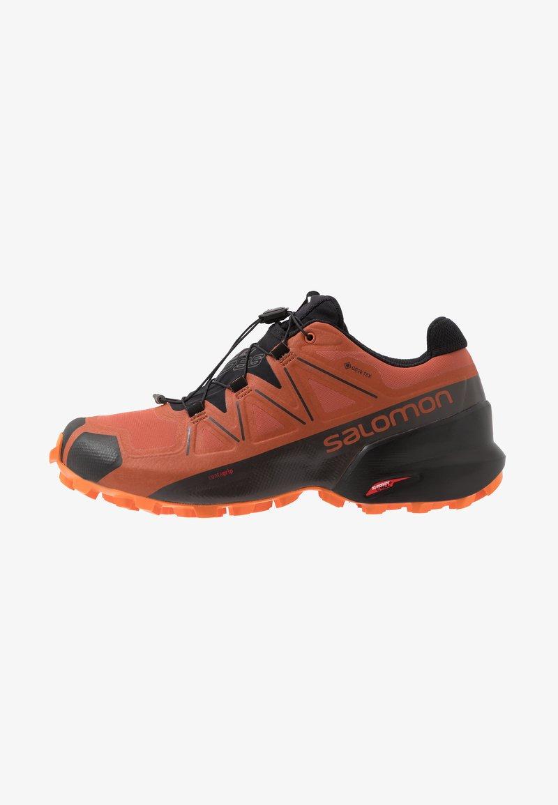 Salomon - SPEEDCROSS 5 GTX - Chaussures de running - burnt brick/black/exuberance