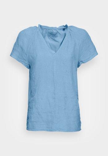 BLOUSE V-NECK SHORT SLEEVED  - Basic T-shirt - washed cornflower