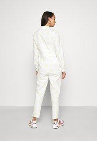 Never Fully Dressed - DAISY PRINT - Combinaison - cream - 2