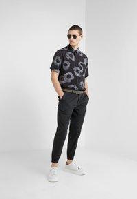 HUGO - EKILIO - Skjorter - black - 1