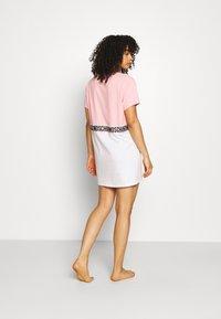 Moschino Underwear - MAXI - Nattskjorte - pink - 2