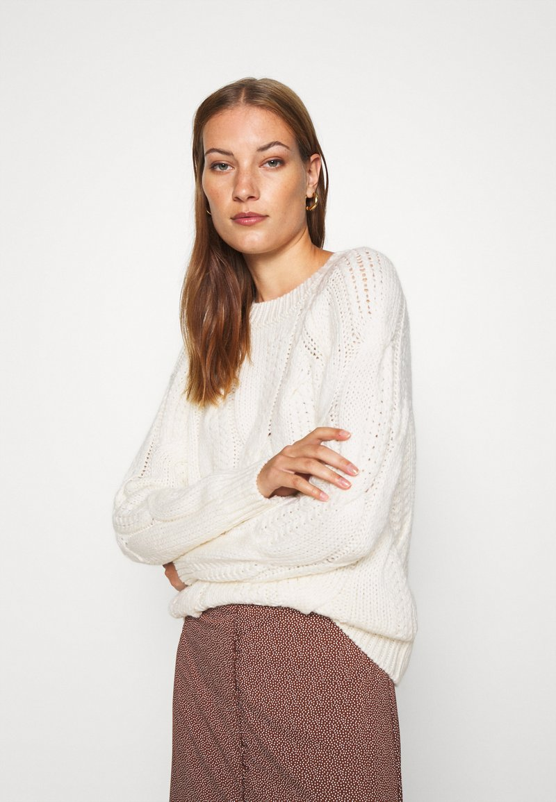 Selected Femme - SLFBEAN CABLE O NECK - Jumper - snow white