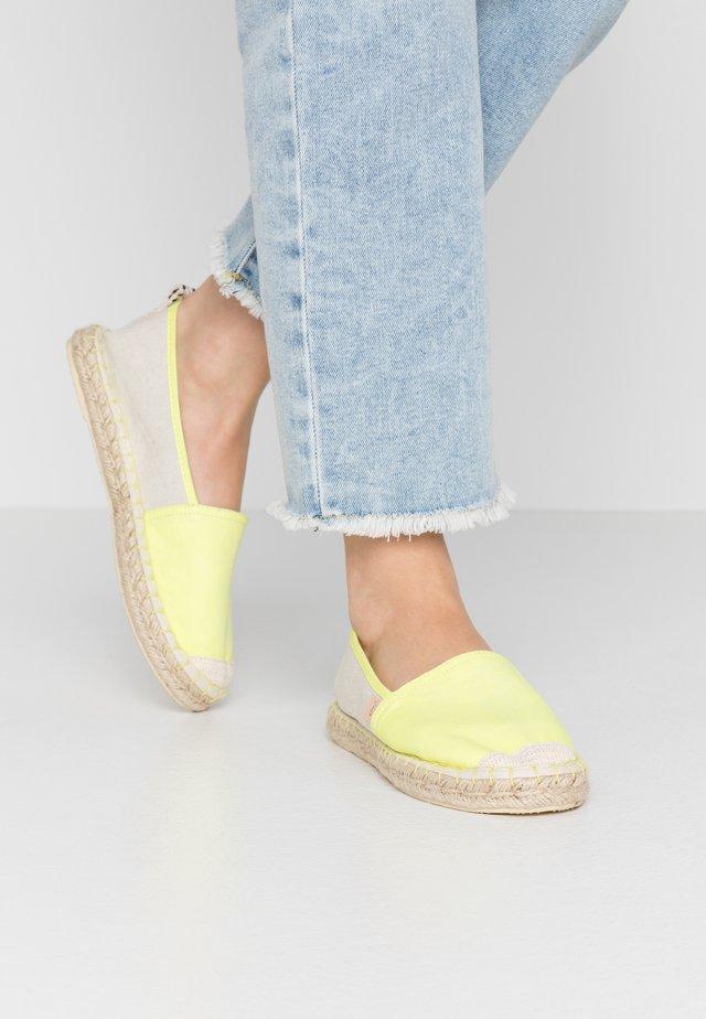 ONLEVA - Espadryle - neon yellow