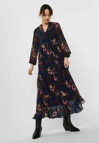 Vero Moda - Maxi dress - navy blazer - 1
