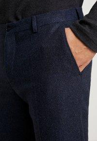 Viggo - ALTA TAPERED - Trousers - dark blue - 4