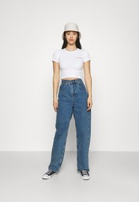 BDG Urban Outfitters - BABY TEE - Basic T-shirt - white - 1
