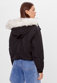 Bershka - Winterjacke - black - 2