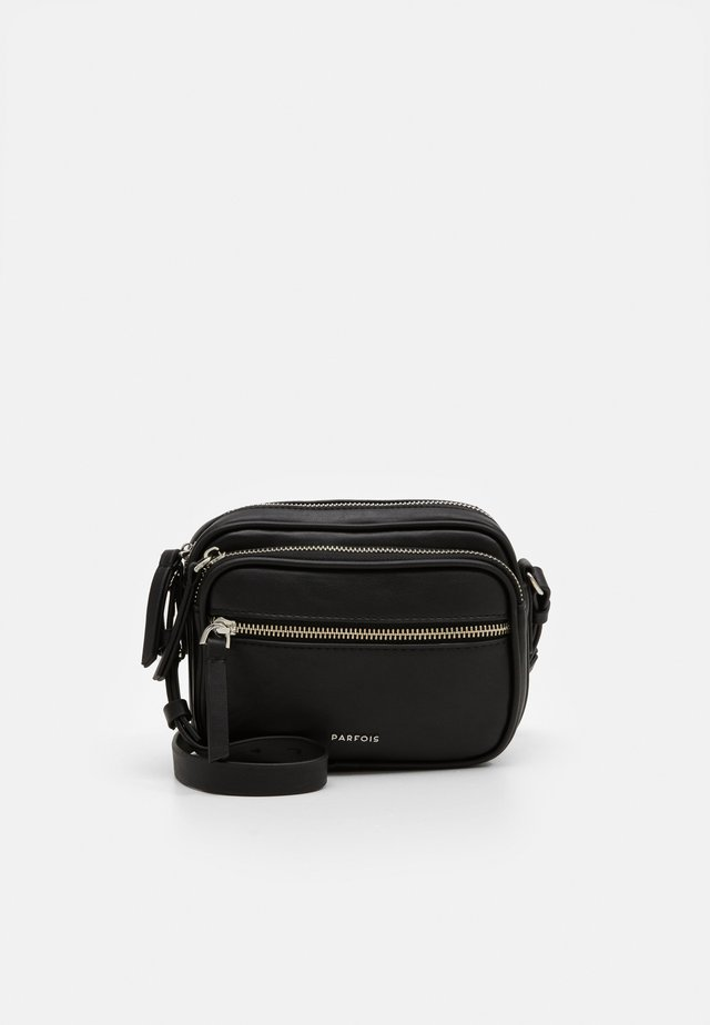 CROSSBODY BAG BUBBLE - Skuldertasker - black