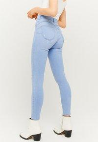 TALLY WEiJL - Jeans Skinny Fit - blue - 2