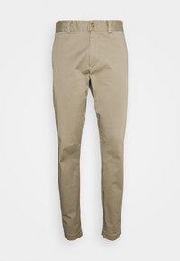 MOMENT NARROW PANT - Tygbyxor - true beige