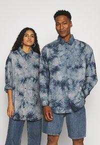 Mennace - AFTERMATH UNISEX - Camisa - grey - 0