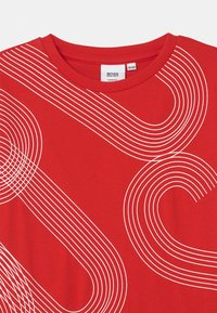 BOSS - SHORT SLEEVES - Print T-shirt - bright red - 2