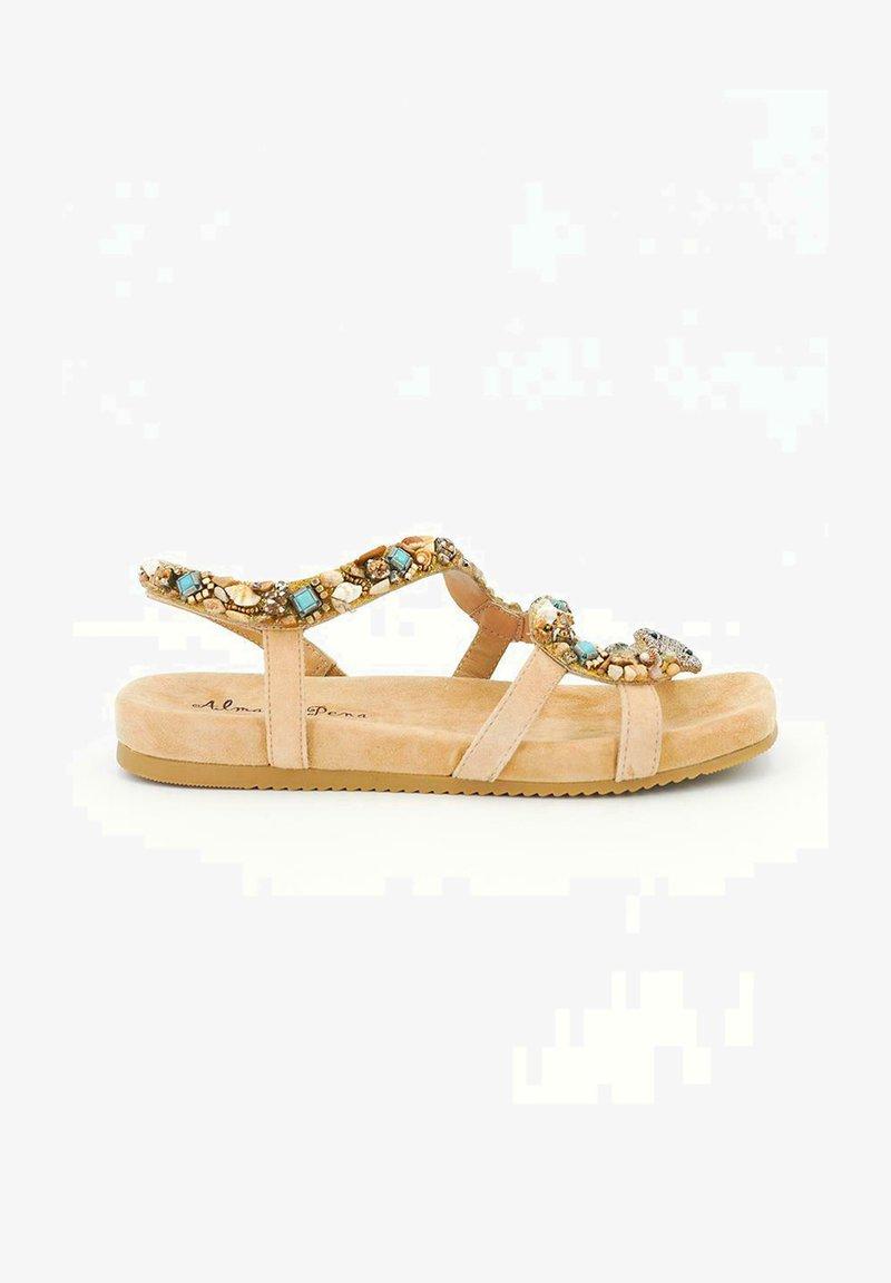 Alma en Pena - MALIKU - Sandals - sand